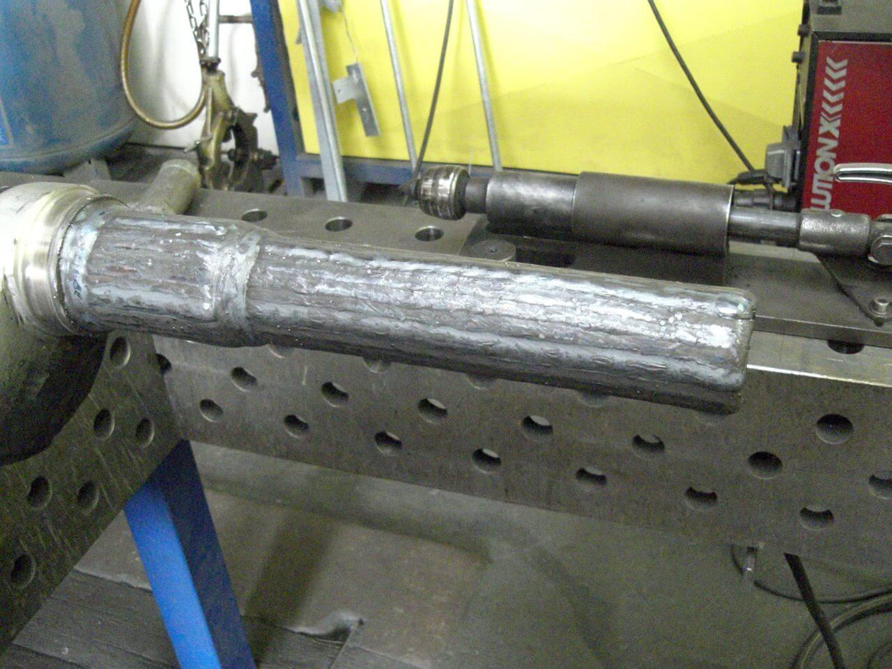Kurbelzapfen Materialauftrag im MIG Verfahren